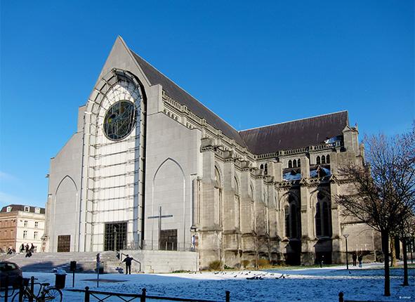 _Lille_cathedrale_par_Velvet_Travail_personnel.jpg